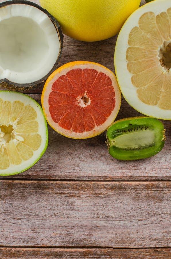 Agrumes orange, citron, pamplemousse, mandarine, chaux image libre de droits