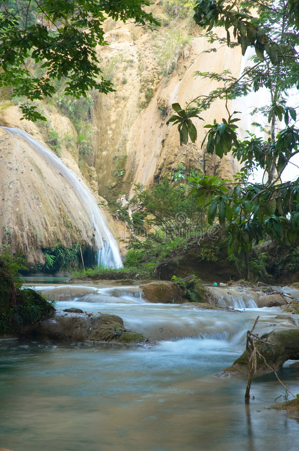 Free Agua Azul Royalty Free Stock Images - 1011899