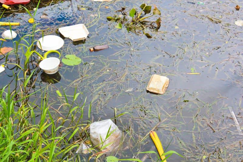 Agua contaminada imagenes de archivo
