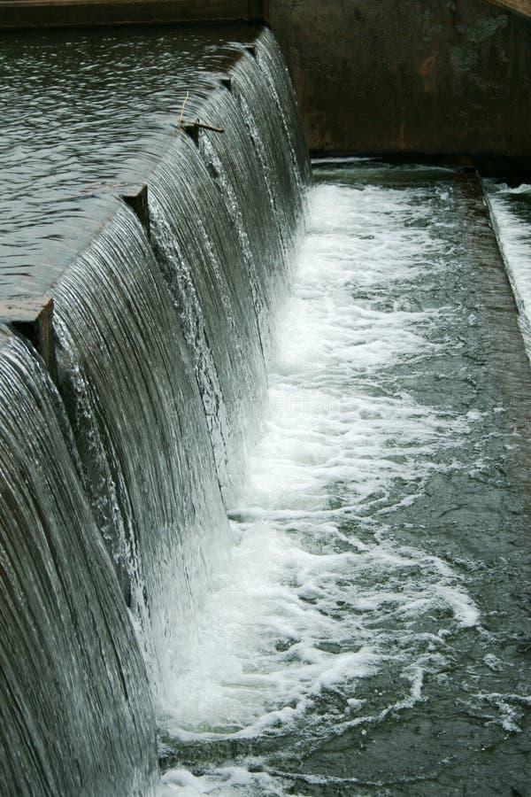 Agua de conexión en cascada fotos de archivo libres de regalías