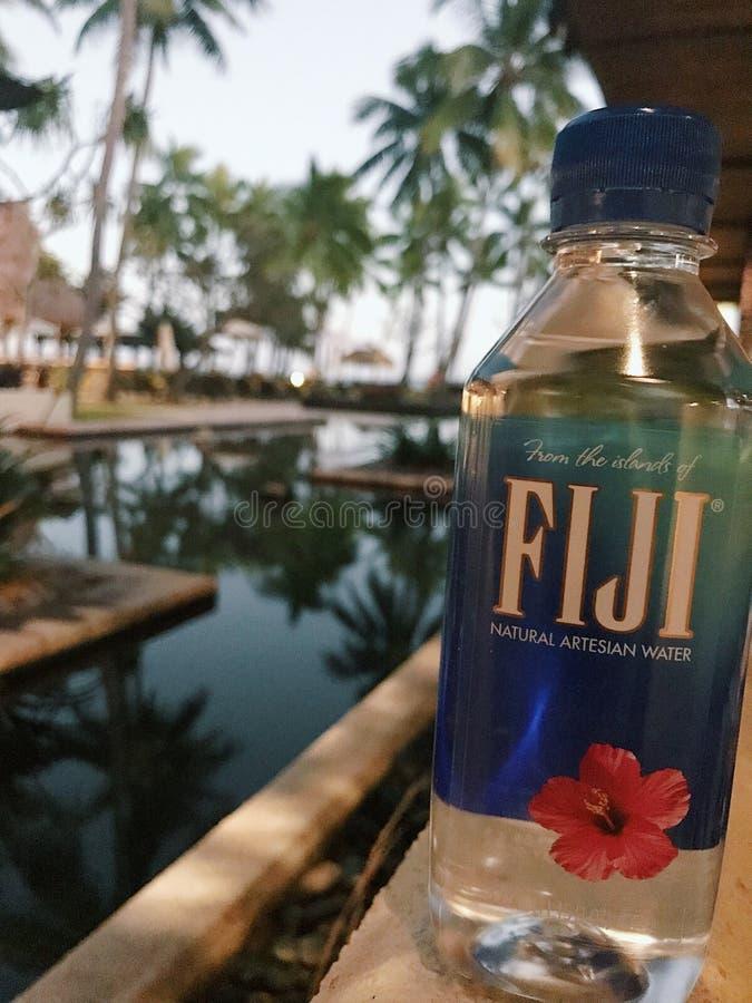 agua de Fiji en Fiji foto de archivo