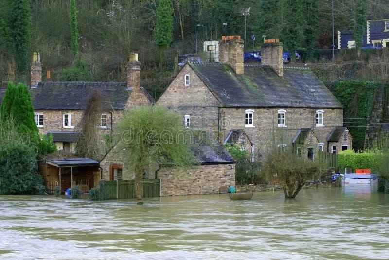 Agua de inundación en Ironbridge, Reino Unido fotografía de archivo libre de regalías