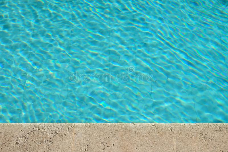 Agua de la piscina foto de archivo