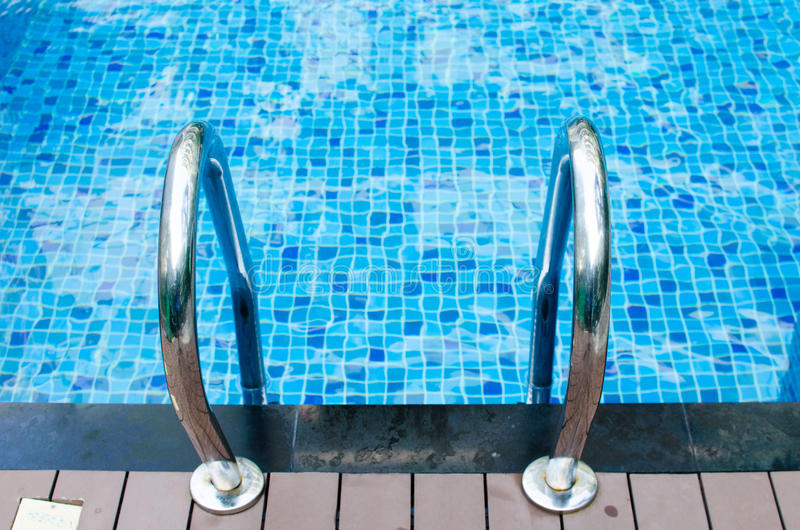 Download Agua de la piscina imagen de archivo. Imagen de exterior - 64207509