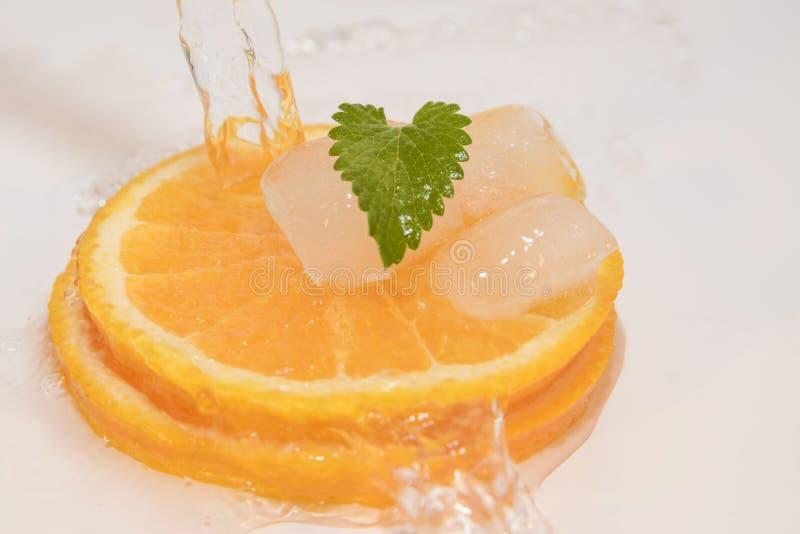 Download Agua de las naranjas foto de archivo. Imagen de vida - 41907882
