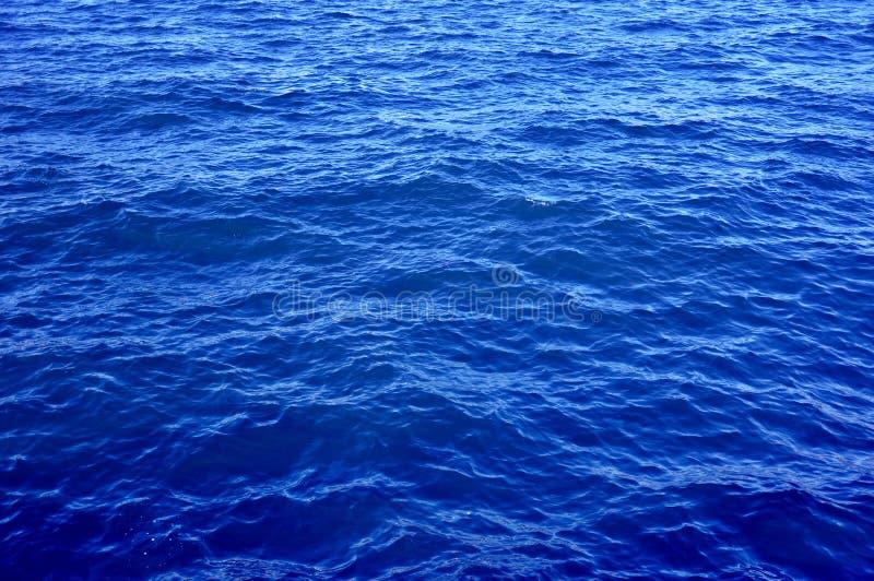Agua de mar azul foto de archivo libre de regalías