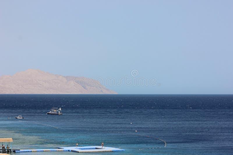 Agua de mar en Sharm el Sheikh imagenes de archivo
