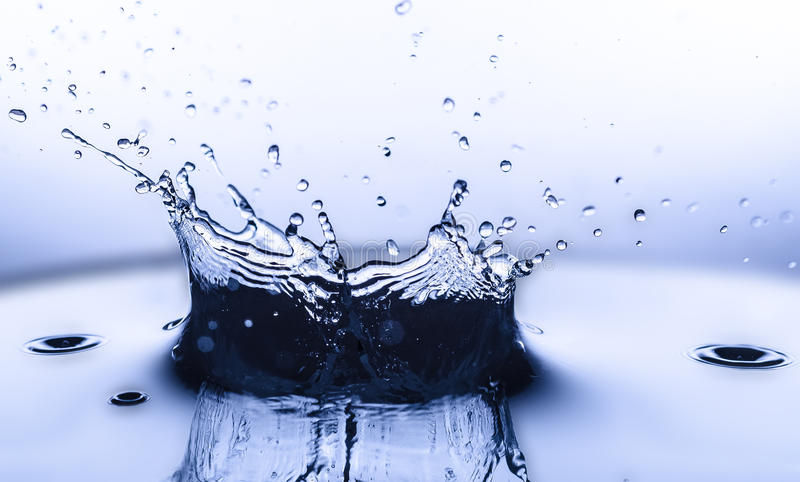 Agua del chapoteo fotografía de archivo libre de regalías