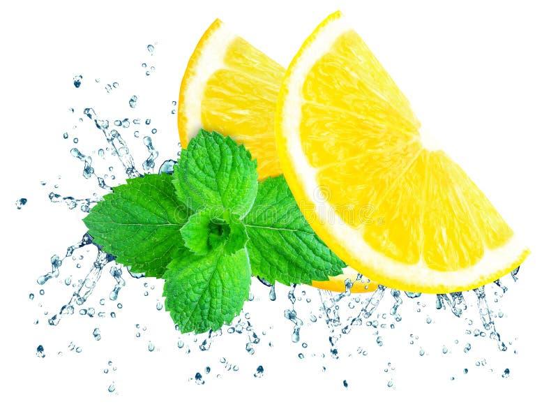 Agua del chapoteo del limón fotografía de archivo