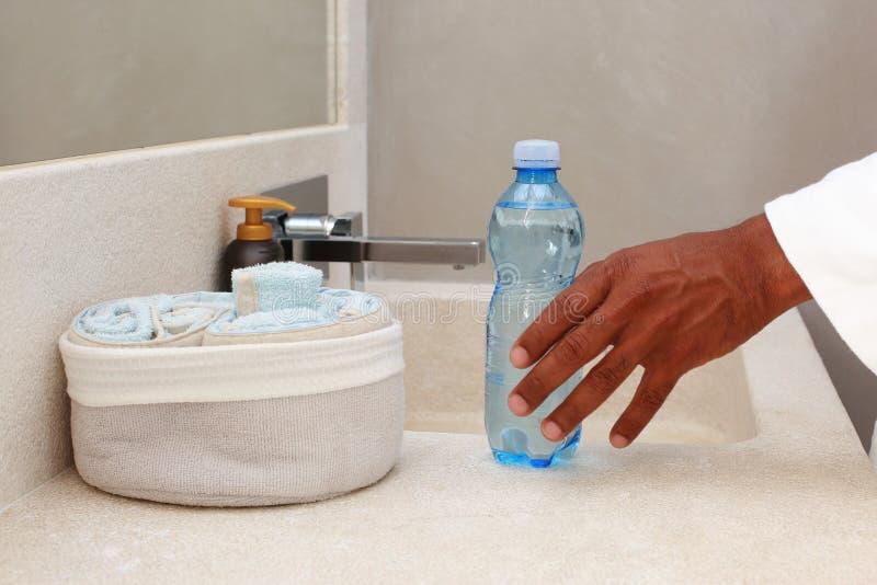 Agua del cuarto de baño del balneario imagenes de archivo
