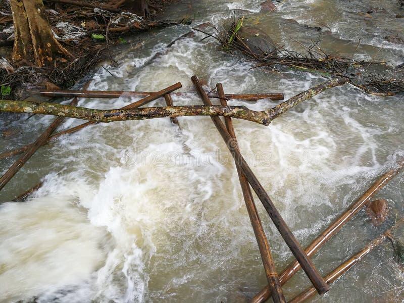 Agua del desbordamiento foto de archivo libre de regalías
