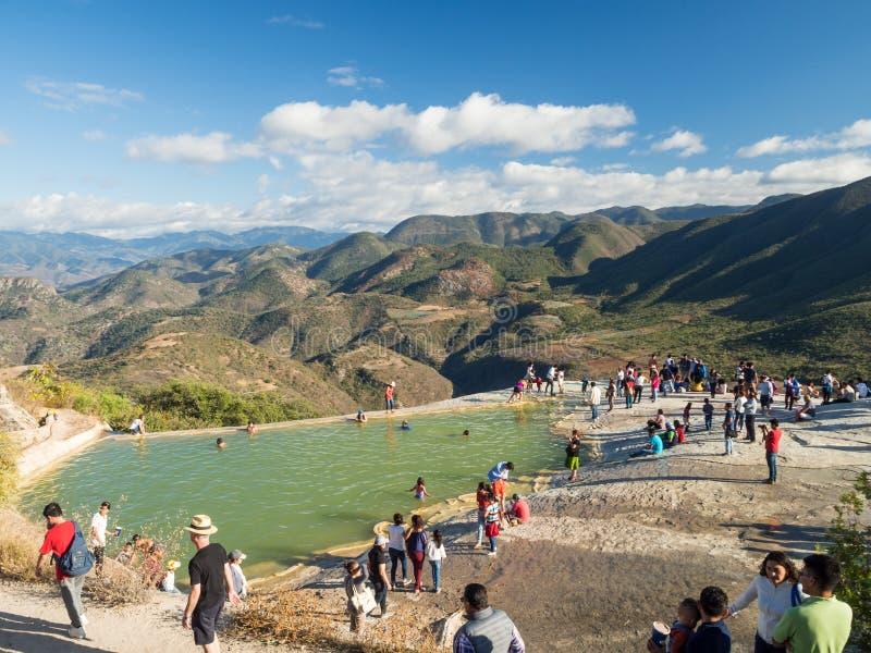 Agua del EL de Hierve, Oaxaca, México, Suramérica: [formación natural de la maravilla en la región de Oaxaca, cascada de las agua fotos de archivo libres de regalías