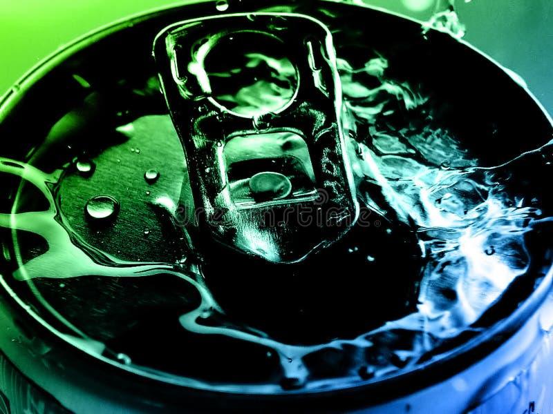 Agua del estaño fotografía de archivo