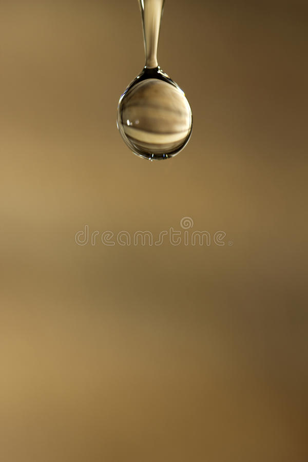 Agua, descenso del agua imagen de archivo