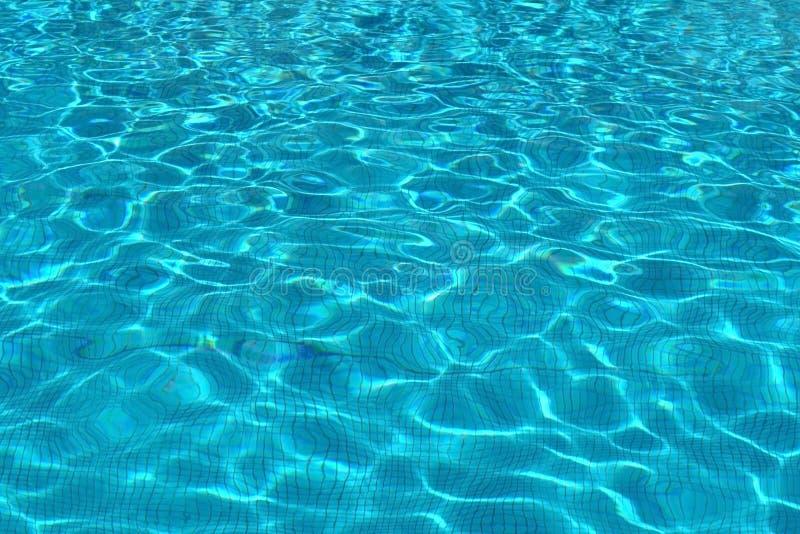 Agua en piscina imagen de archivo libre de regalías