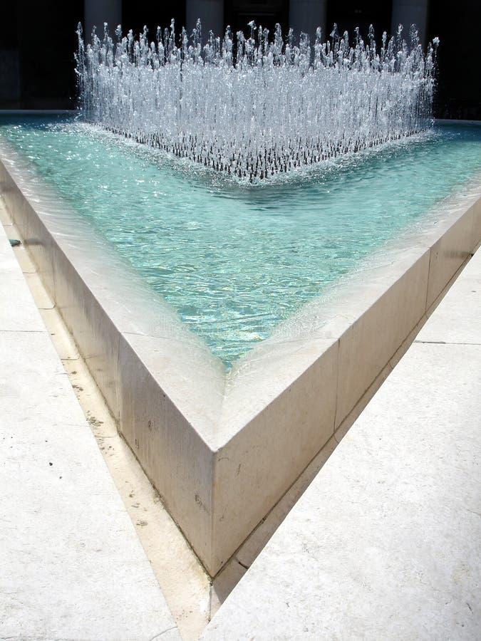 Agua en triángulo fotos de archivo