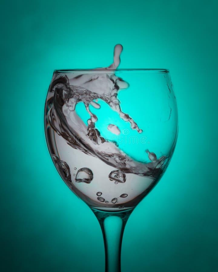 Agua en un vidrio limpio foto de archivo