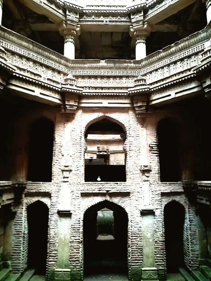 Agua histórica bien en la India imagenes de archivo