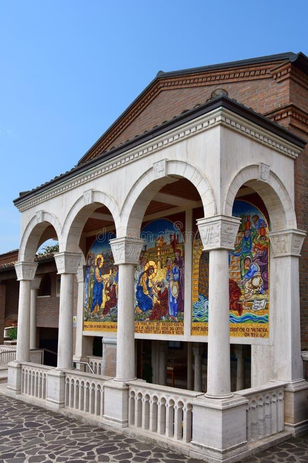 Agua milagrosa en el santuario Madonna del esplendor imagen de archivo libre de regalías