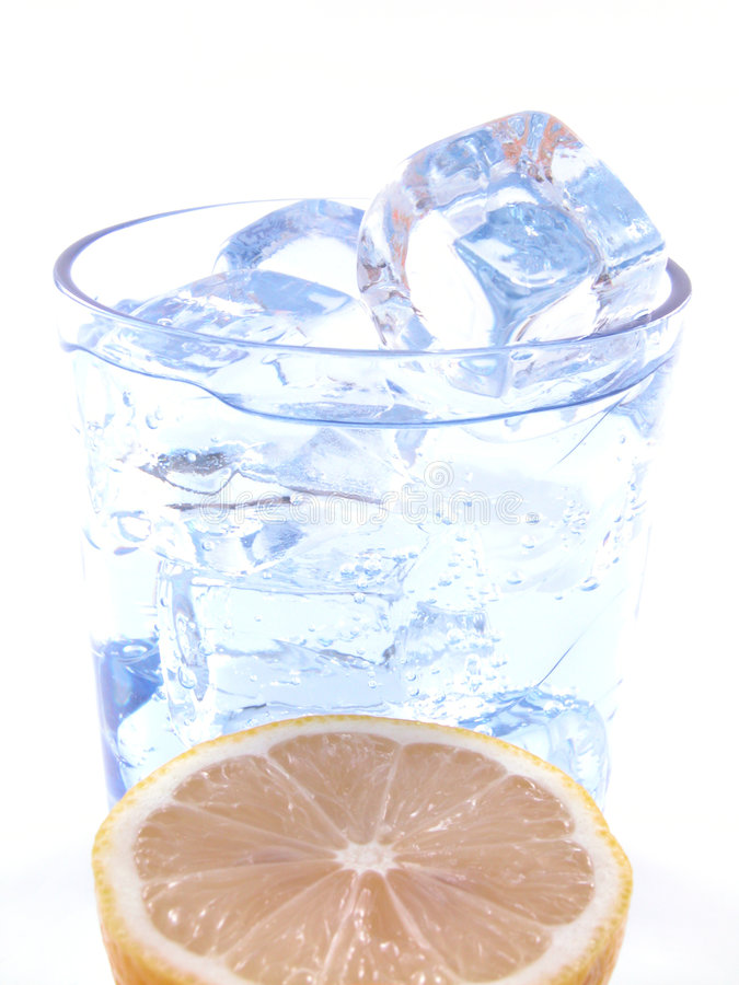Agua mineral imagen de archivo libre de regalías