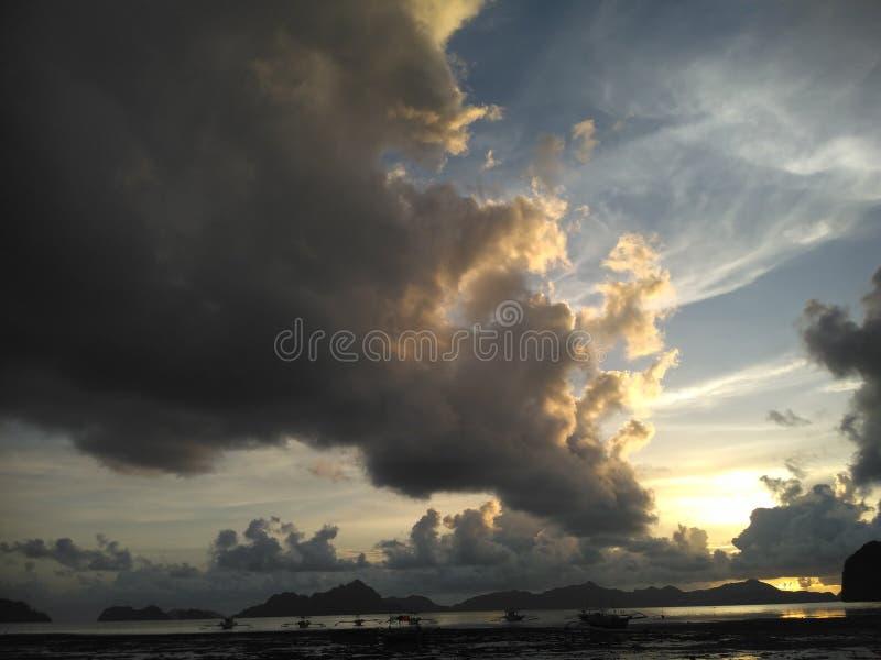 Agua y cielo imagen de archivo libre de regalías