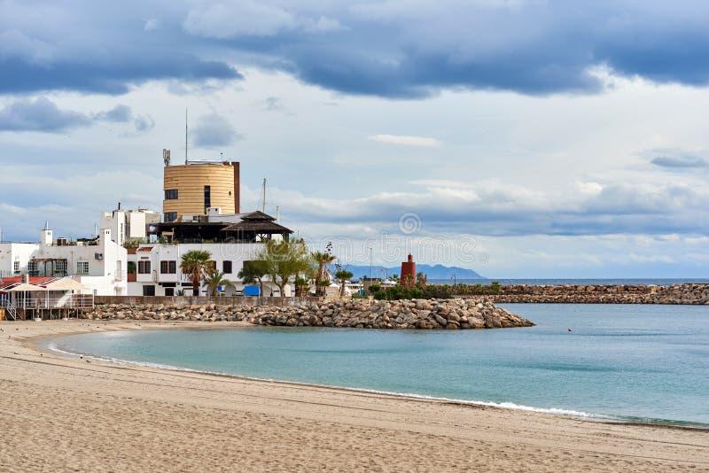 Aguadulce-Strand spanien lizenzfreies stockfoto