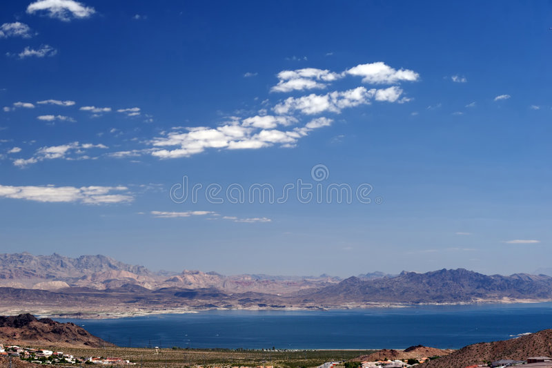 Download Aguamiel del lago imagen de archivo. Imagen de postre - 1277471