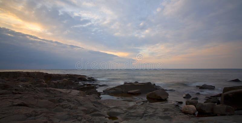 Aguardar la tormenta de la mañana fotografía de archivo