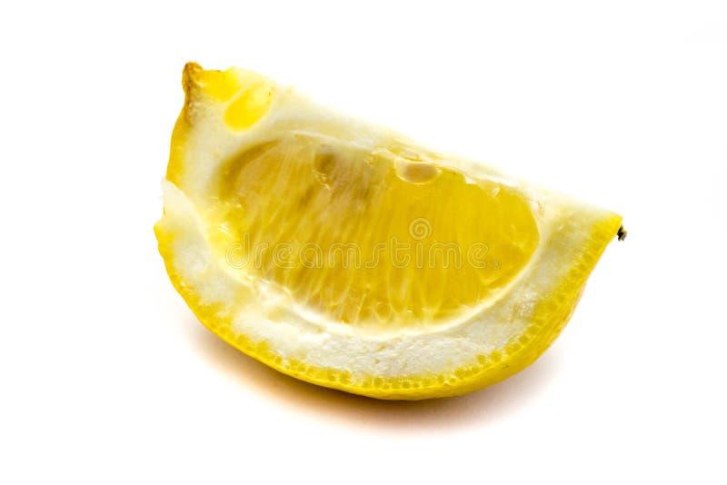 Aguardiente del limón en el fondo blanco imagen de archivo