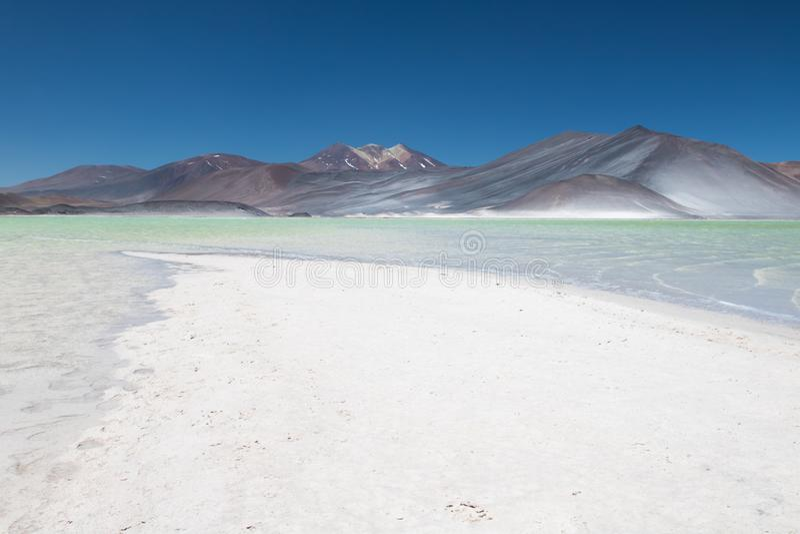 Aguas λιμνών calientes ή salar de Talar στη Χιλή Atacama στοκ φωτογραφίες με δικαίωμα ελεύθερης χρήσης
