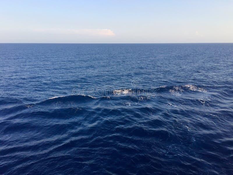 Aguas azules foto de archivo