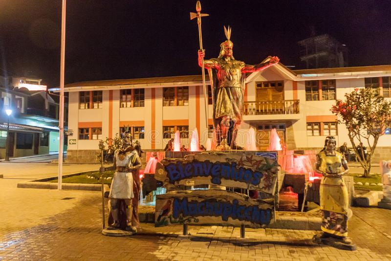 AGUAS CALIENTES, PERU - MAY 17, 2015: Statue of Inca on a square in Aguas Calientes, Peru. This village serves as an. Entry point for visiting Machu Picchu stock images
