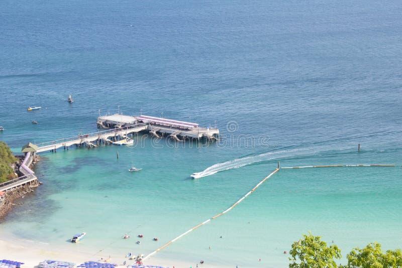 Download Aguas hermosas del mar imagen de archivo. Imagen de parque - 42428933