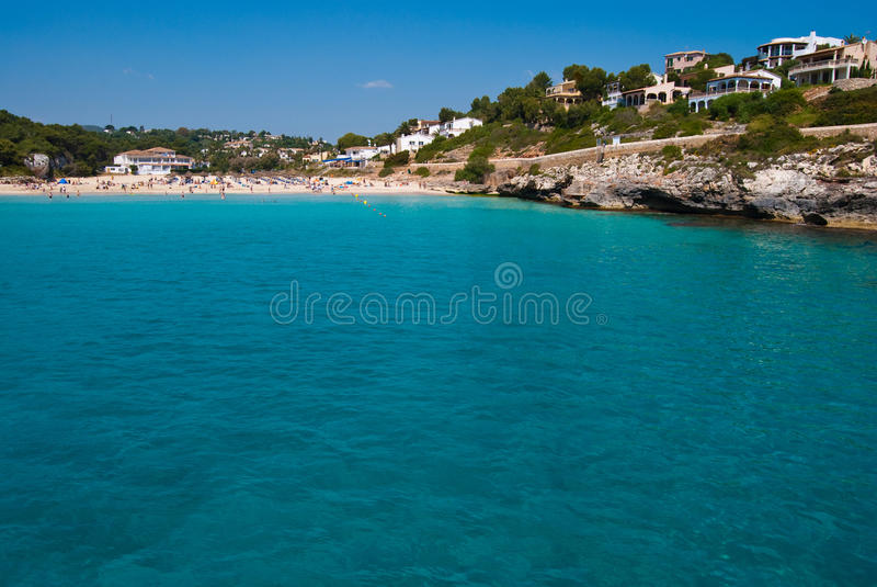Aguas potáveis do mar Mediterrâneo, Majorca, Spain foto de stock royalty free