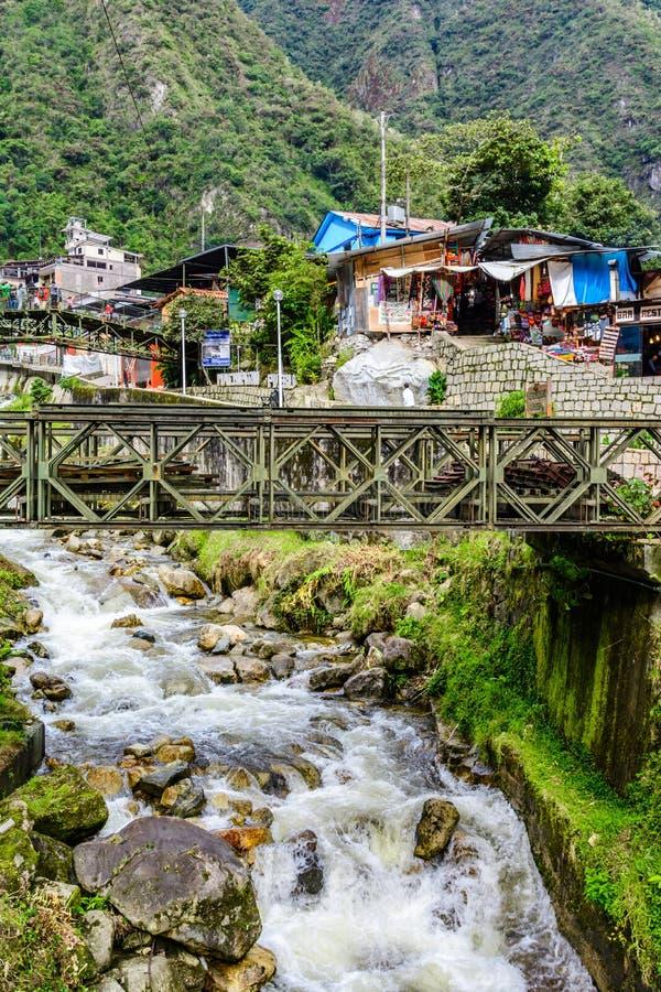 AguasCalientes stad i Cusco, Machu Picchu, Peru royaltyfria bilder