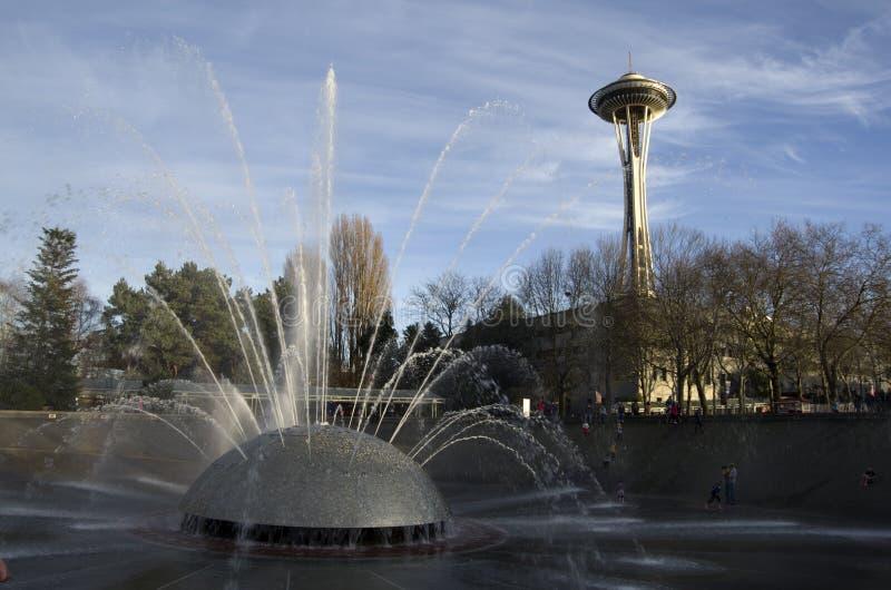 Aguja del espacio del centro de Seattle de la fuente imagenes de archivo