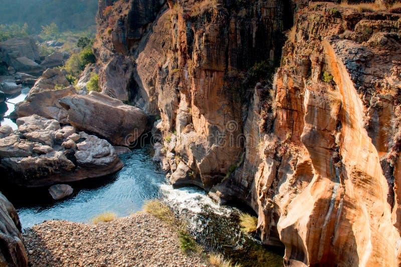 Agujeros de la suerte de Bourkes en Mpumalanga Suráfrica cerca del barranco del río de Blyde foto de archivo
