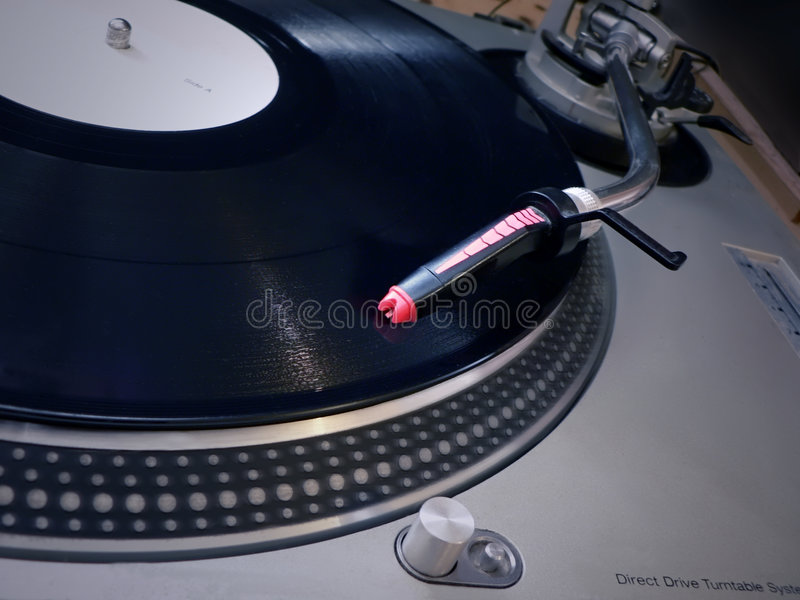 Agulha da plataforma giratória do DJ no registro imagem de stock royalty free