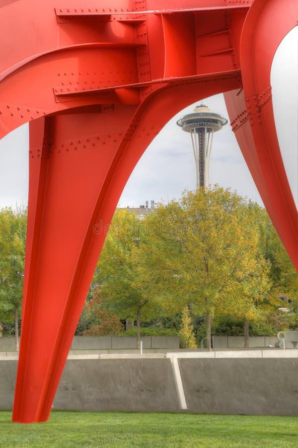 Agulha vertical do espaço do parque olímpico da escultura em Seattle, Washington fotos de stock