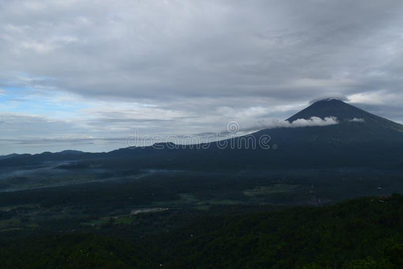 Agung de montagne photographie stock libre de droits