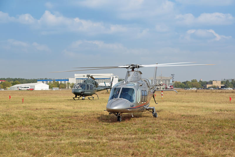 Agusta A109S tusen dollarhelikopter arkivbild