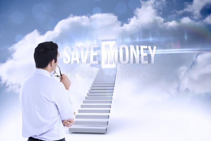 Ahorre el dinero contra puerta abierta en la parte superior de las escaleras en el cielo fotografía de archivo