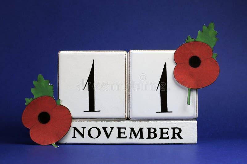 Ahorre la fecha, calendario de bloque blanco, para el 11 de noviembre, día de la conmemoración imágenes de archivo libres de regalías