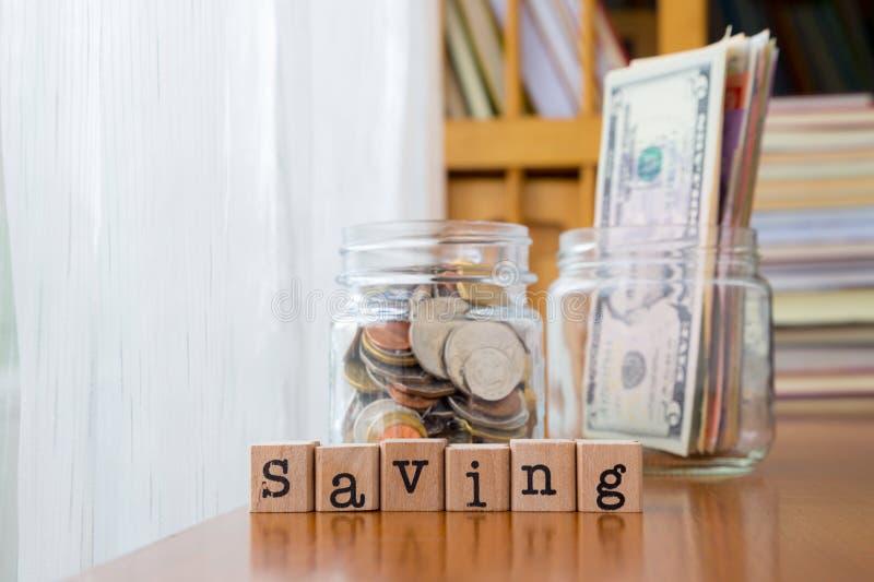 Ahorro del dinero y renta adicional imágenes de archivo libres de regalías