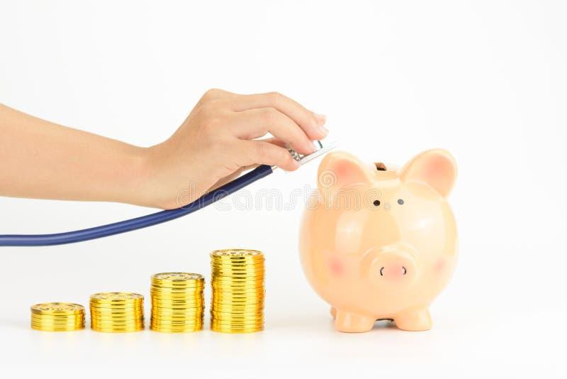 Ahorros del dinero y concepto del coste de la atención sanitaria fotos de archivo