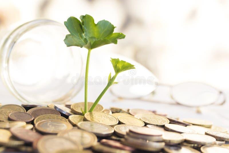 Ahorros y pensiones imagenes de archivo