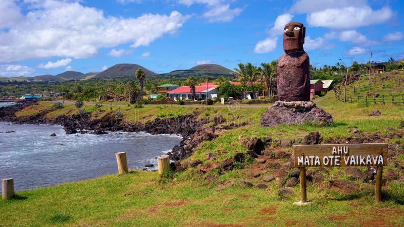 Ahu Mata Ote Vaikava, costa di Hanga Roa, isola di pasqua, Cile immagine stock libera da diritti