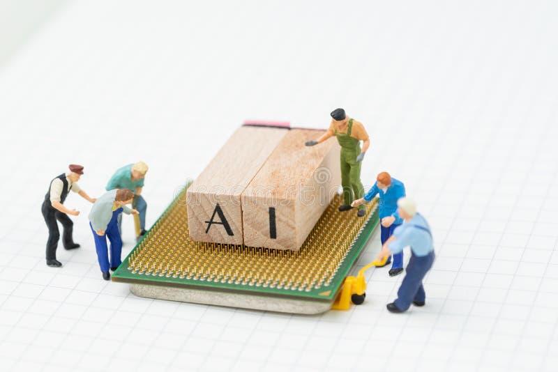 AI或人工智能概念,微型人民计算, 免版税库存照片