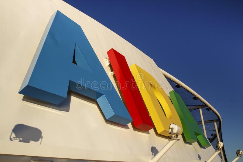 AIDA Dive Cruise Ship im Stangen-Hafen, USA, 2015 stockfoto