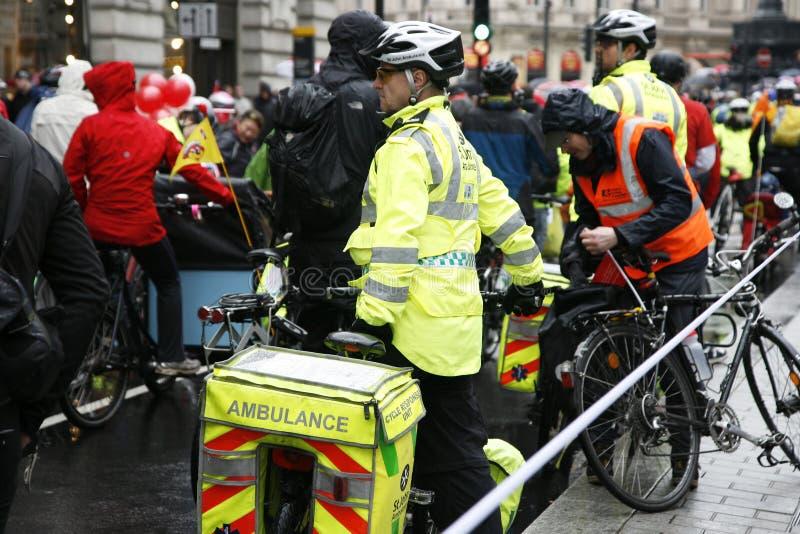 Aiders машины скорой помощи St Джон стоковые изображения